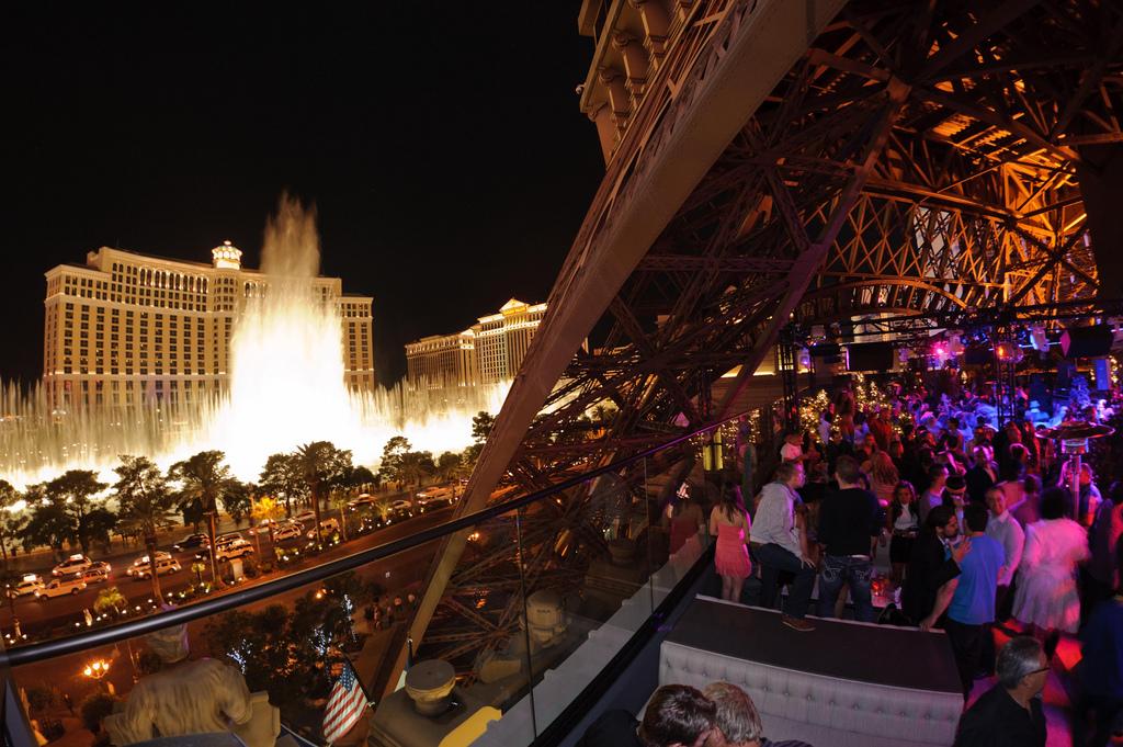 Chateau Nightclub And Rooftop Paris Hotel In Las Vegas