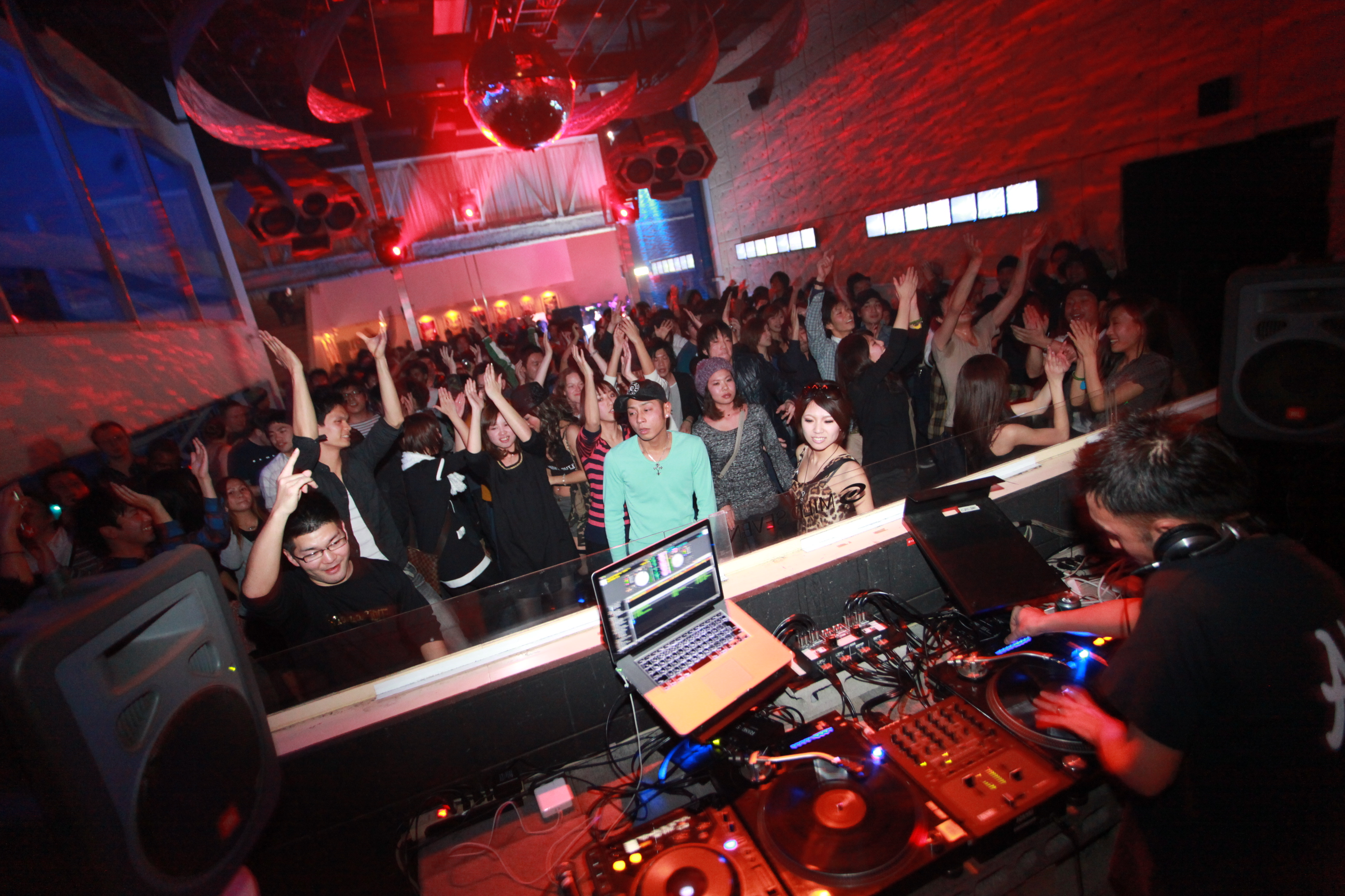 Ageha Tokyo | Colossal nightclub in Koto | Biggest club of ...